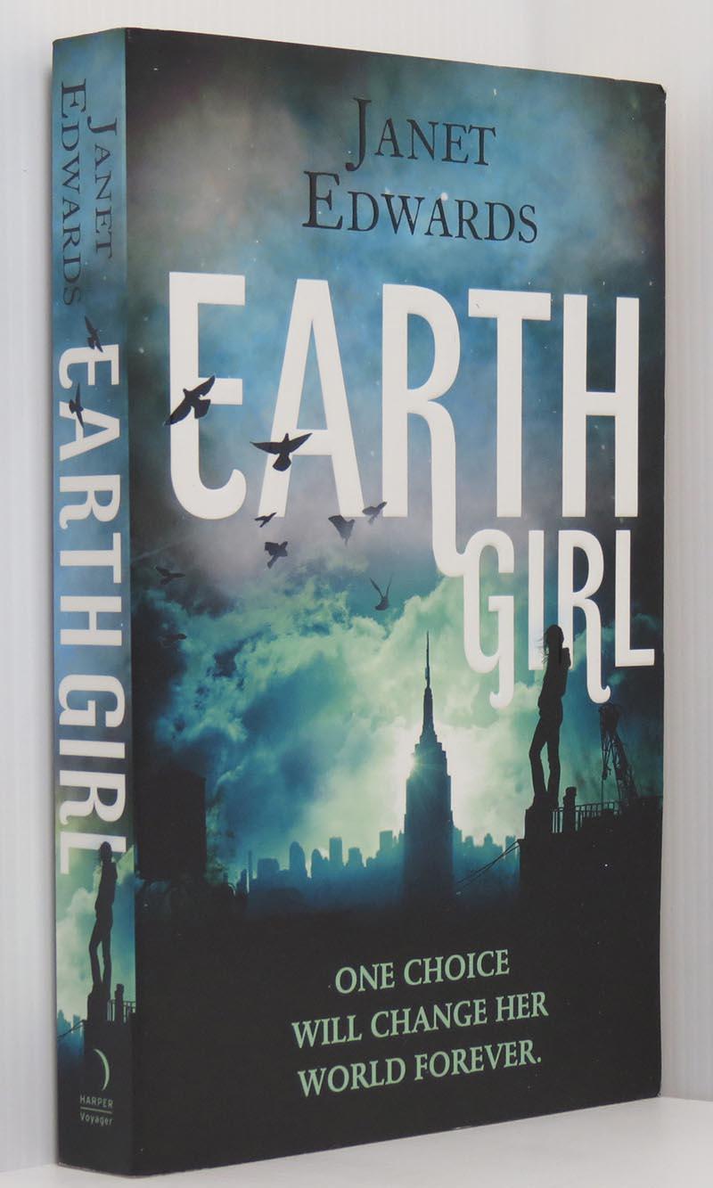 Девушка с Земли — Джанет Эдвардс
