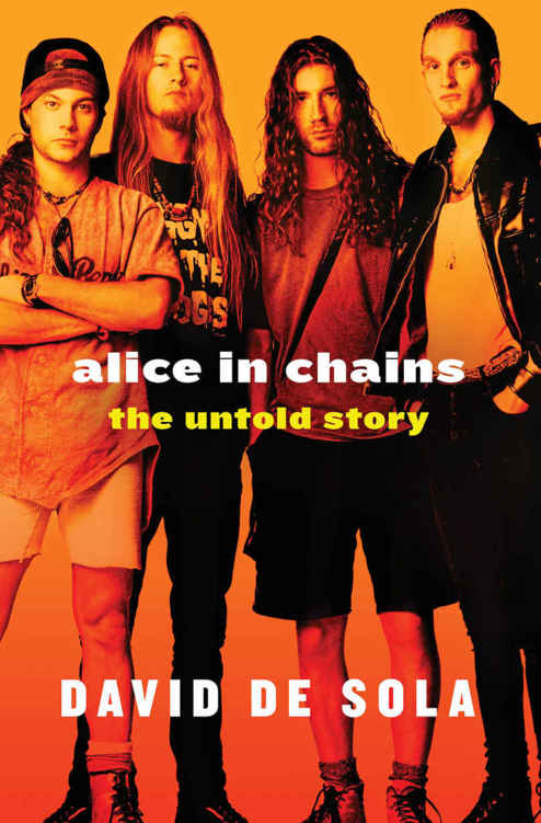 обложка книги Alice in Chains: The Untold Story